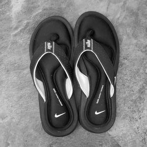 Nike comfort flip flop
